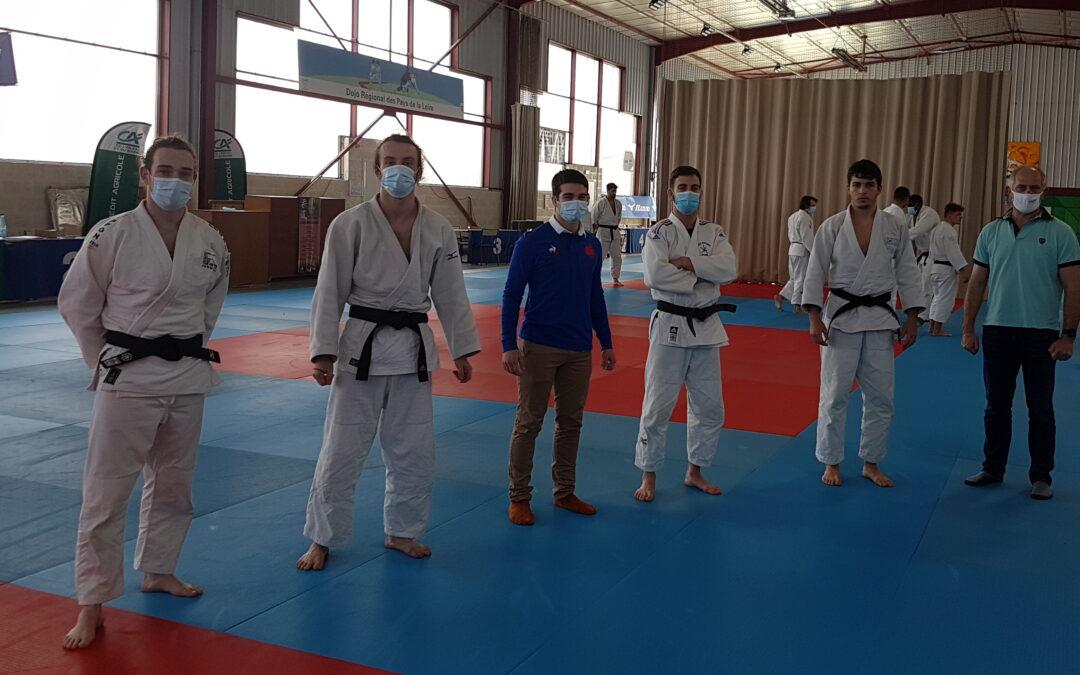 Six jeunes judokas de Loire Atlantique en formation BPJEPS judo jujitsu 2020-2021 avec le CREPS